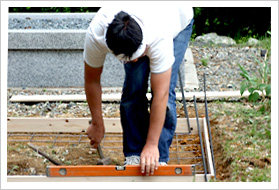 お墓づくりの流れ お墓の基礎工事・墓石の設置